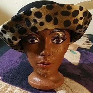 Vintage 1950s bowler cap style hat